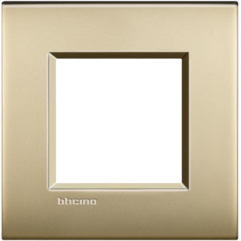 Рамка 1 пост AIR, прямоугольная форма. МАТОВАЯ ПОВЕРХНОСТЬ. Цвет Матовое золото. Итальянский стандарт, 2 модуля. Bticino LIVINGLIGHT. LNC4802OF