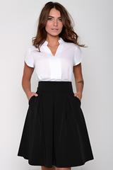 Модная юбка со складками, на широком поясе с карманами.Сзади замок. (Длина: 44-46 =62см; 48-50=66см;).