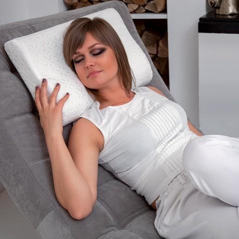 <p>Анатомическая подушка Memory для сна с эффектом памяти активно з...