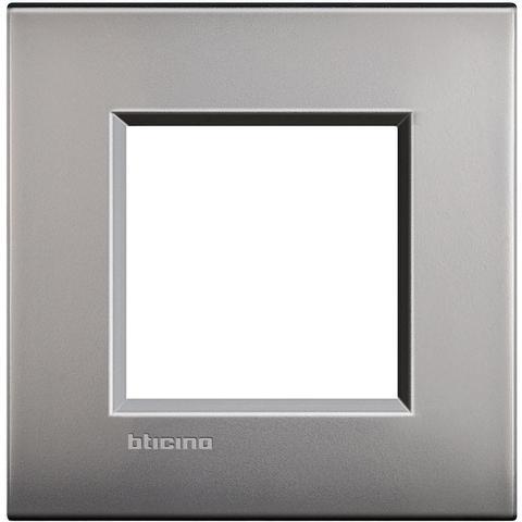 Рамка 1 пост AIR, прямоугольная форма. МАТОВАЯ ПОВЕРХНОСТЬ. Цвет Матовый никель. Итальянский стандарт, 2 модуля. Bticino LIVINGLIGHT. LNC4802NK