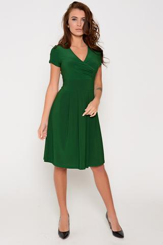Эффектное платье приталенного силуэта. Талия завышена. V-образный вырез с запахом и мягкой драпировкой. Юбка пышная со складками. Рукав короткий. Отличный летний вариант. (Длины: 44-96см; 46-97см; 48-97см; 50-98см)