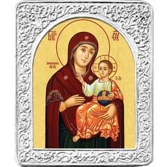 Маленькая Вифлеемская икона Божьей Матери в серебряной раме.