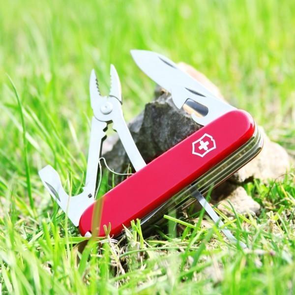 Складной нож Victorinox Tinker Deluxe (1.4723) 91 мм., 17 функций, цвет красный - Wenger-Victorinox.Ru