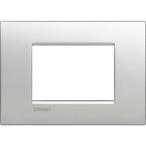 Рамка 1 пост AIR, прямоугольная форма. МОНОХРОМ. Цвет Алюминий. Итальянский стандарт, 3 модуля. Bticino LIVINGLIGHT. LNC4803TE
