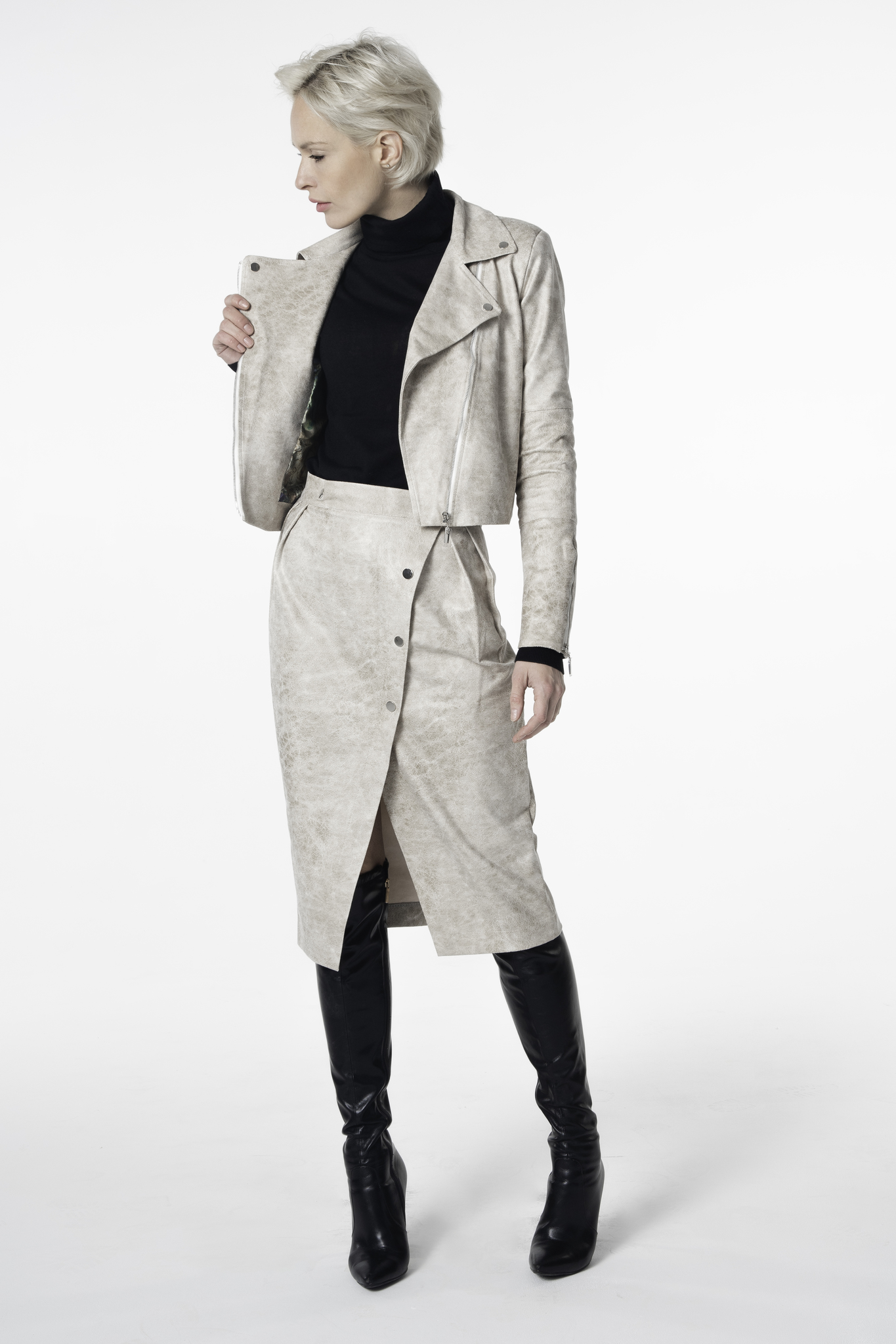 Куртка из эко-кожи (последняя)