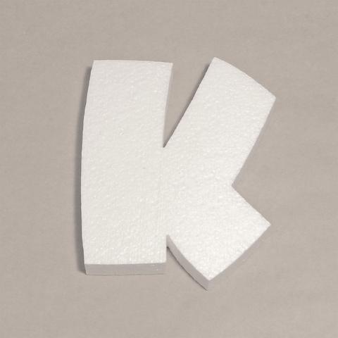 Буква К шрифт BeeskneesC из пенопласта.