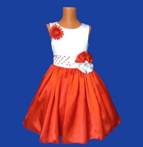 Платье бело-красное с жемчугом