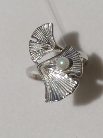 Кольцо с жемчугом(кольцо из серебра).