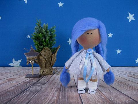 Лялька Еріка. Колекція La Petite.