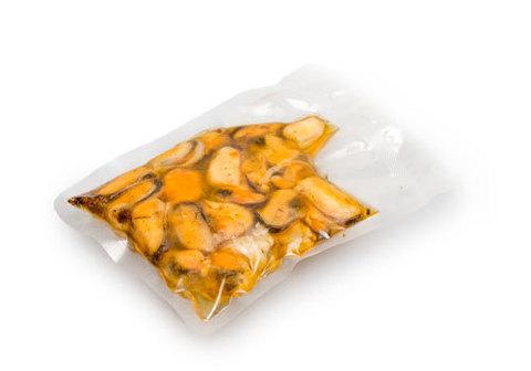 Мидии вареные в чесночном соусе