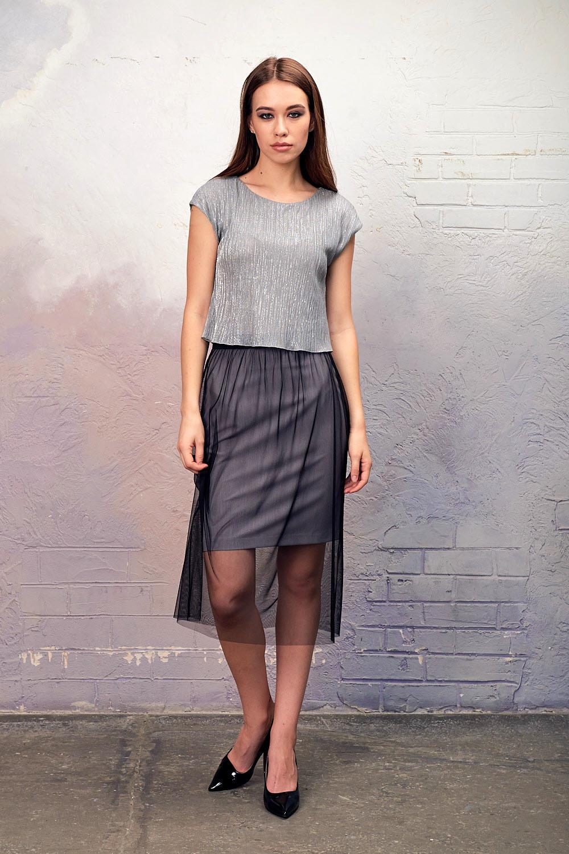Юбка Б116-138 - Эффектная юбка 2 в 1 - классическая юбка из поливискозы, которую можно использовать в повседневной жизни, комплектуется прозрачной верхней юбкой из сетки, которую можно носить не только в предложенном варианте, но и со своими платьями для создания праздничного наряда.