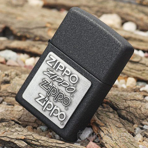 Зажигалка ZIPPO 363 Black Crackle Pewter Emblem