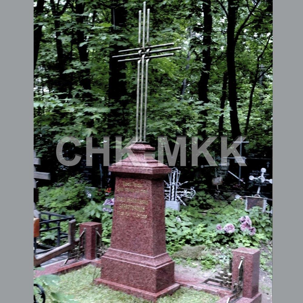 Памятник с бронзой №1