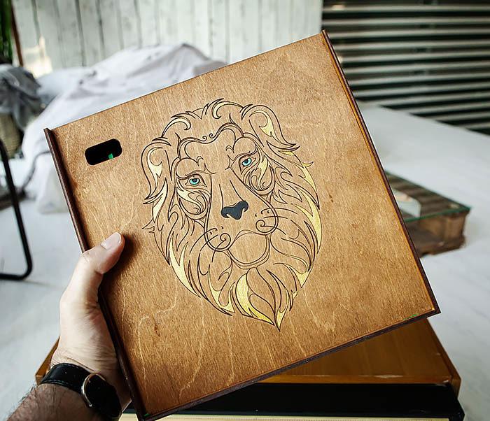 BOX252-2 Большая подарочная коробка ручной работы со львом (25*25*12 см) фото 08