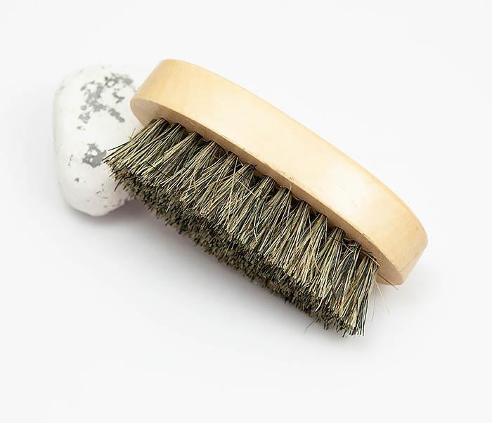 RAZ348 Деревянная щетка для бороды из щетины кабана фото 02