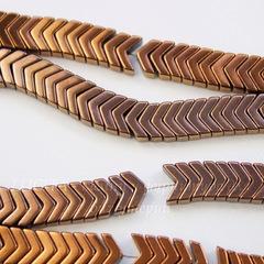 Бусина Гематит (искусств), шеврон, цвет - коричневый с золотистым, 6х4х3 мм, нить