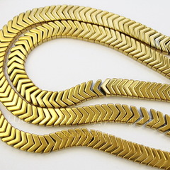 Бусина Гематит (искусств), шеврон, цвет - золотой, 6х4х3 мм, нить