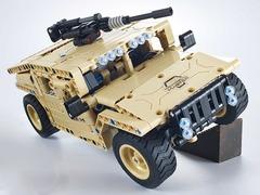 Конструктор QIHUI с мотором и радиоуправлением Военный внедорожник, 502 деталей
