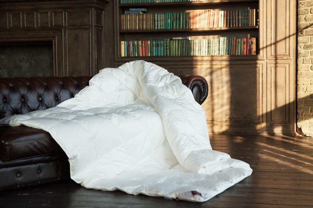 Одеяла Элитное одеяло теплое 150х200 German Grass Luxe Down elitnoe-odeyalo-vsesezonnoe-150h200-luxe-down-shampan-ot-german-grass-avstriya.jpg