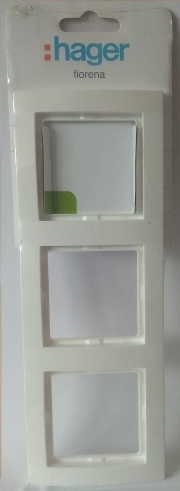 арт. 22011812 Рамка тройная, цвет-белый