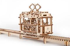 Деревянные конструкторы Ugears. Модель  Трамвай с рельсами