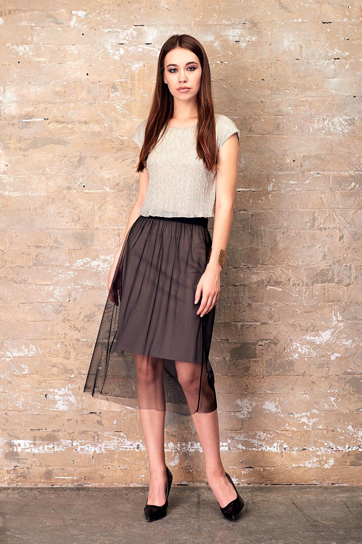 Юбка Б116-298 - Эффектная юбка 2 в 1 - классическая юбка из поливискозы, которую можно использовать в повседневной жизни, комплектуется прозрачной верхней юбкой из сетки, которую можно носить не только в предложенном варианте, но и со своими платьями для создания праздничного наряда.
