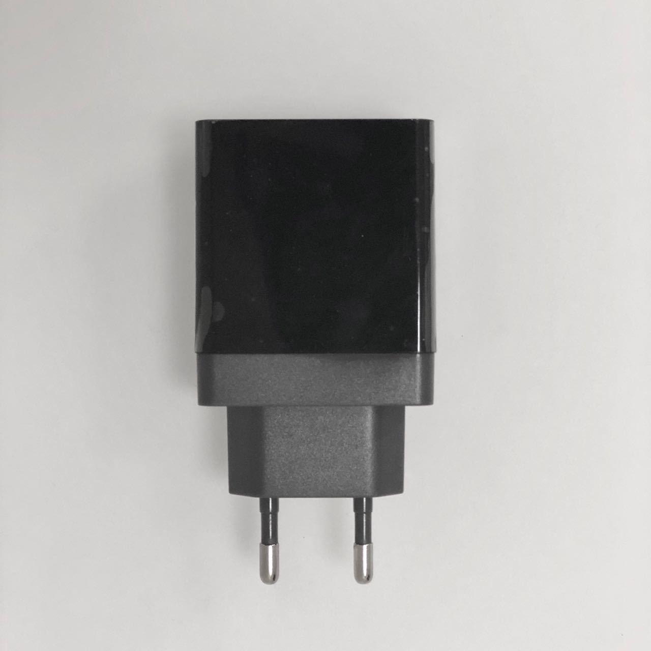 Адаптеры питания Сетевой адаптер Quick Charger 3.0 IMG_0535.jpg