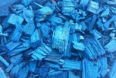 Декоративная щепа синяя (мульча) 60 л