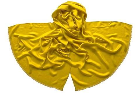 Палантин из шелка желтый 4730
