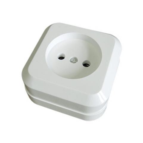 Розетка 2П открытой установки с з/ш IP20 10А, белый