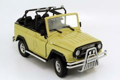 UAZ-Hunter 4x4 2004 open top Autobahn Bauer 1:24