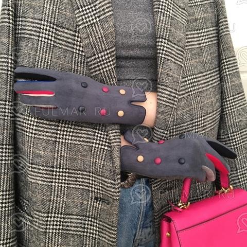 Женские перчатки с кнопками Серые