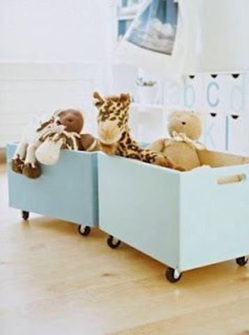 ящик для игрушек  с колесами