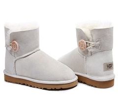 /collection/zhenskie-uggi/product/ugg-bailey-button-mini-white