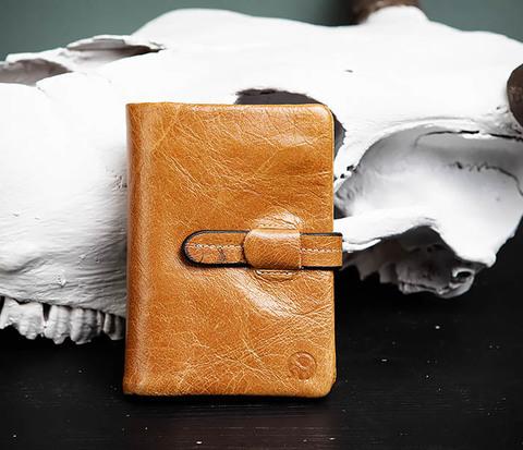 Мужское портмоне из натуральной кожи с ключницей, помещается техпаспорт