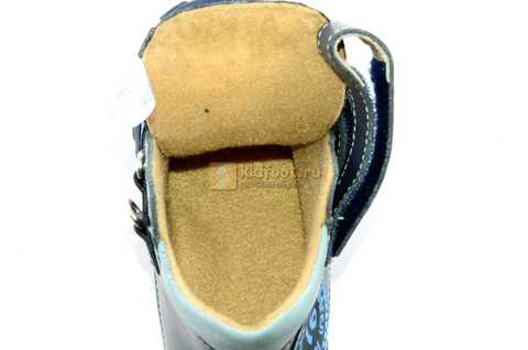 Ботинки Тотто из натуральной кожи демисезонные на байке для мальчиков, цвет темно-синий. Изображение 10 из 11.