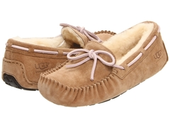 /collection/moccasins-dakota/product/ugg-moccasins-dakota-for-women-tobacco-s-mehom-2