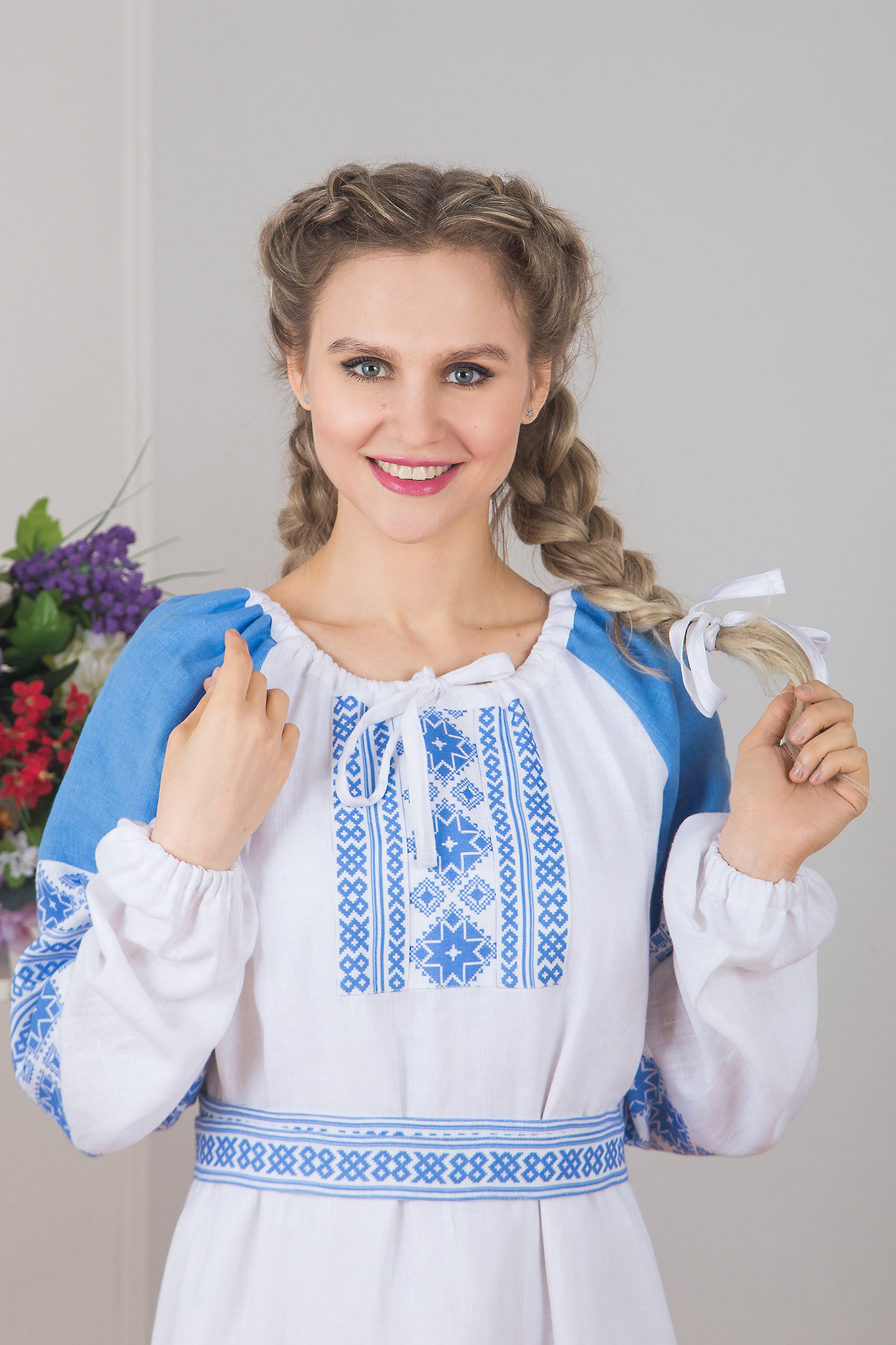 Платье Репейник счастья (белое) приближенный фрагмент