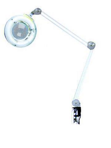 Лампа-лупа на струбцине