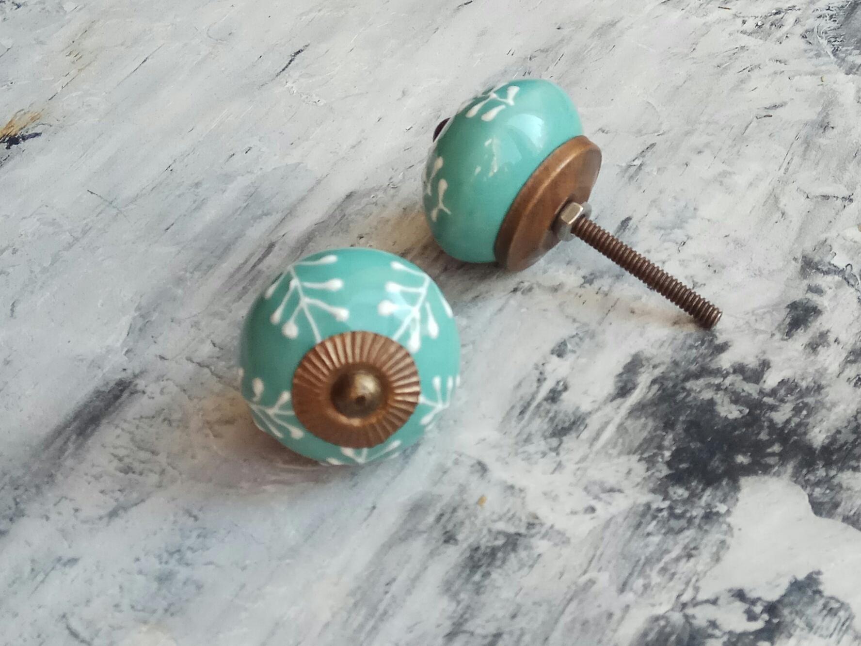 Ручка мебельная керамическая   - цвета морской волны с белым узором