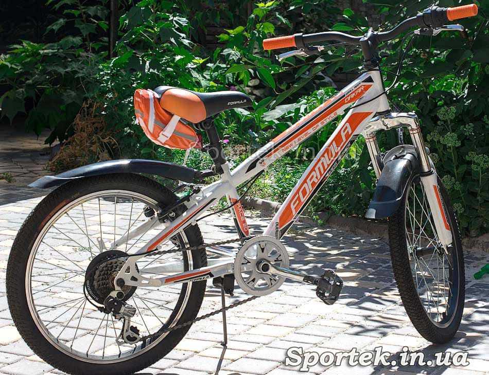 Сумка велосипедная под седло Roswheel (13660-H) на велосипеде