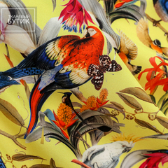 Матовый шелк с птицами на желтом фоне