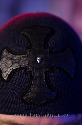 Шапка «Worth» от 7.17 Studio Luxury с крестом