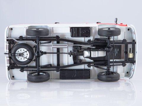 UAZ-3962 Ambulance 1:18 Start Scale Models (SSM)