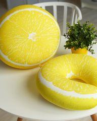 Подушка-подголовник «Лимон» 4
