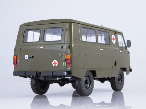 UAZ-452A Sanitary Ambulance 1:18 Start Scale Models (SSM)