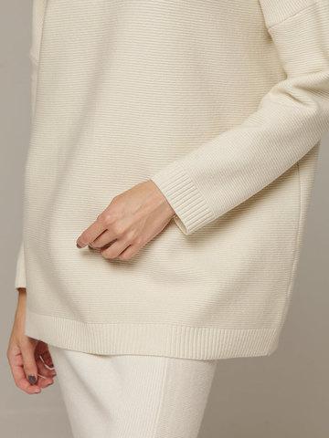 Женский белый джемпер свободного кроя из шерсти и кашемира - фото 4