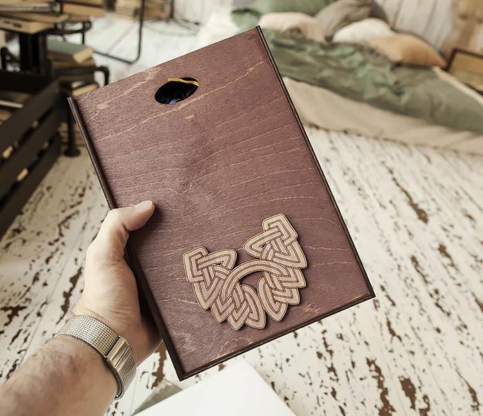 BOX230-3 Большая фиолетовая коробка для упаковки подарков (18*26*7,5 см) фото 01