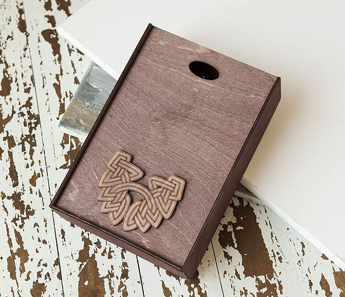 BOX230-3 Большая фиолетовая коробка для упаковки подарков (18*26*7,5 см) фото 02