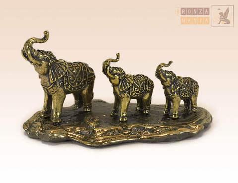фигурка Три слона на постаменте из бронзы